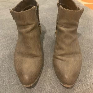 Like New 10 ankle Boots booties
